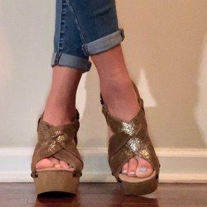 sbicca platform sandals. vintage. chic.